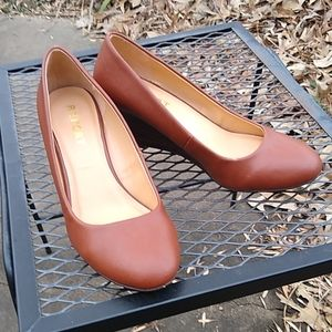 Report wedge slip on heel size 8